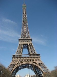 Linas Reiseagentur Reisebüro Papenburg Paris Eifelturm4